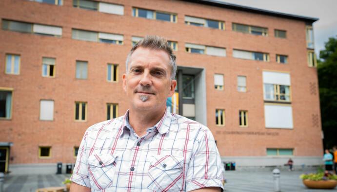 Professor ved UiO, Bjørn Stensaker synes den nye interesse for å knytte penger til utviklingsavtalene er interessant.