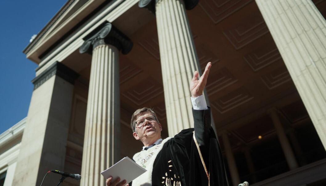 Rektor Svein Stølen ønsker nye studenter velkommen til UiO. Men høsten 2020 er det bare studenter fra Norge som vil kunne begynne som ferske studenter ved Norges eldste universitet.