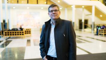 Rektor Svein Stølen ber fakultetene forberede seg på et digitalt semester til høsten.