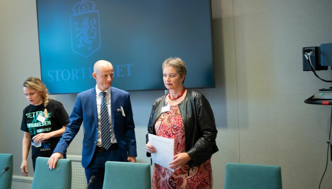 Nord-rektor Hanne Solheim Hansen har fått tilbakemelding om at ansatte synes ledelsen er for langt unna. Nå skal Nord universitet bruke 1,5 million på konsulenter for å mellom anna se på hvilke tiltak som kan bøte på mangel av nærhet.