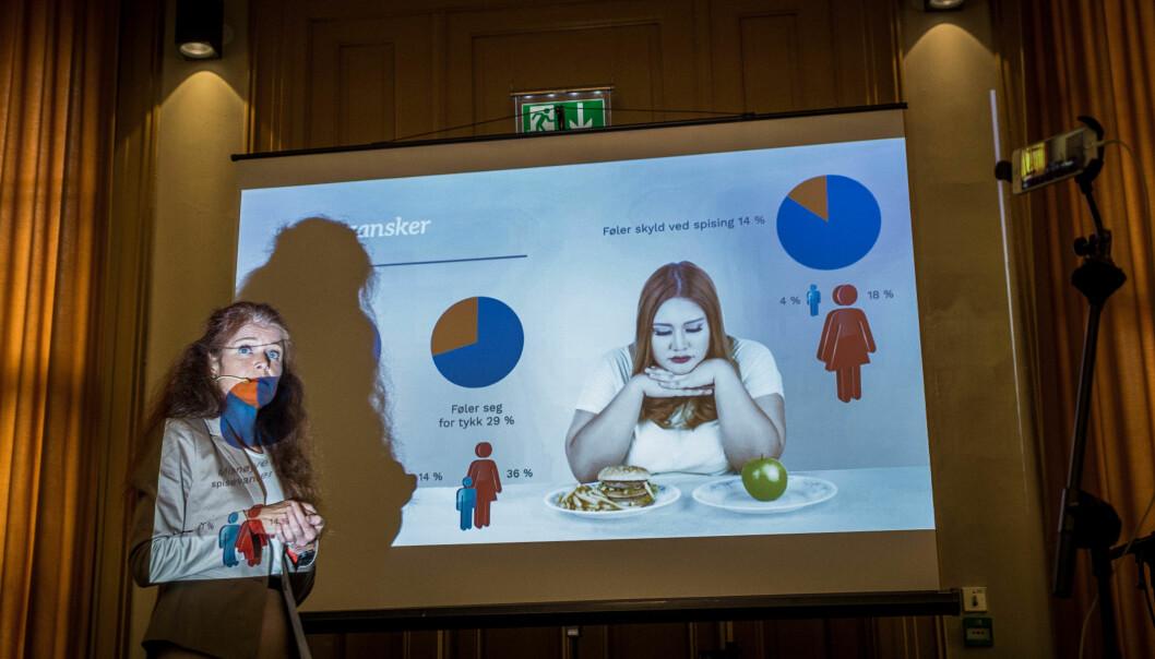 Leder av styringsgruppa for arbeidet med undersøkelse av studenters helse og trivsel, Kari Jussie Lønning, legger her fram resultatene fra 2018-undersøkelsen.