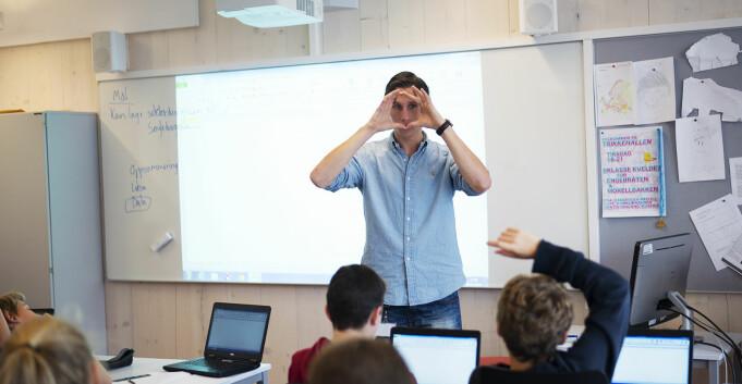 Flere fullfører lærerstudier uten å bli forsinket. Uenighet om 4-krav i matte er årsaken