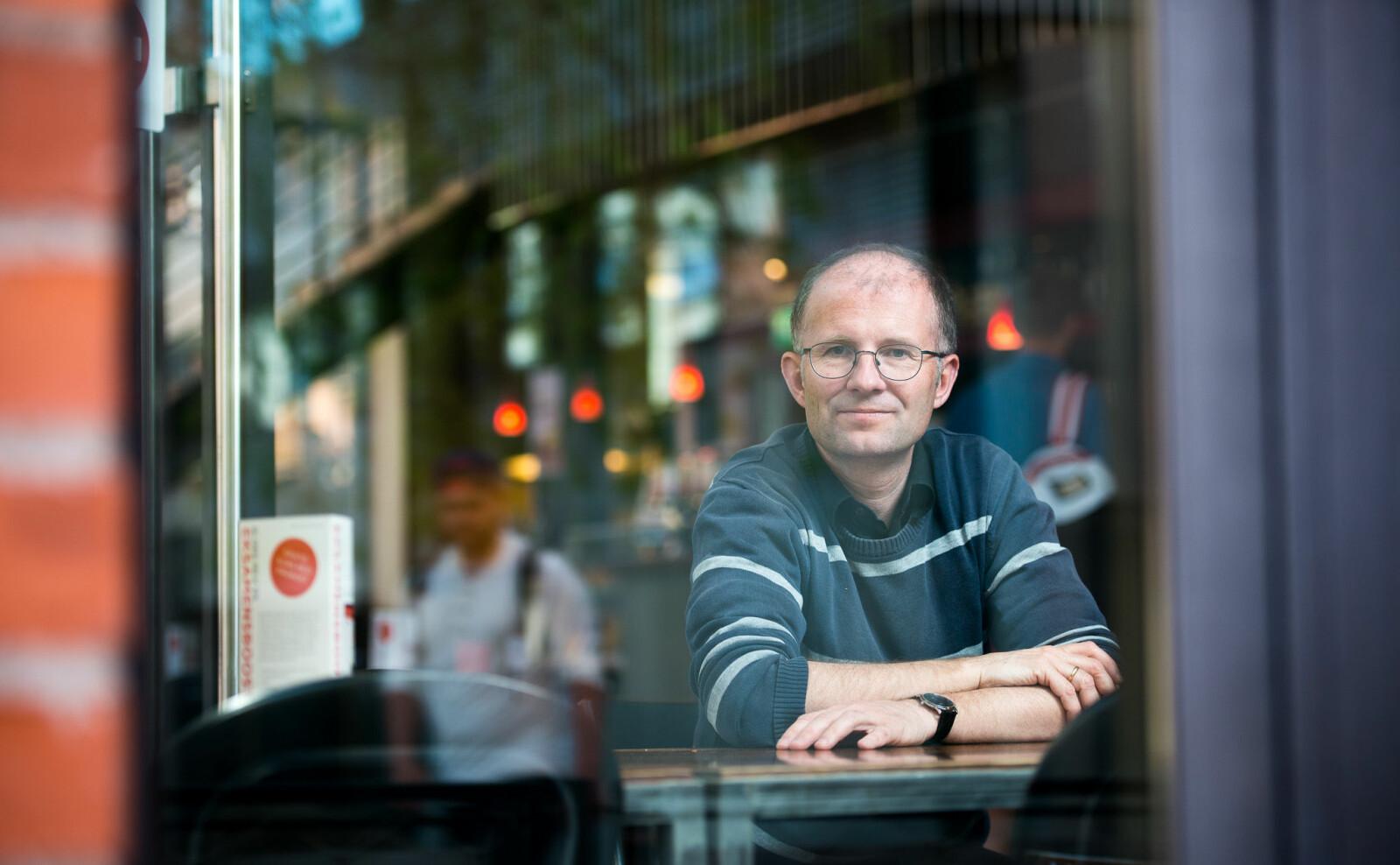 Professor i universitetshistorie, Fredrik W. Thue, realiserte seg sjølv i Bergen på 1980- og 90-talet. —Dogme om korleis ungdom orienterer seg slår ofte feil, seier han.