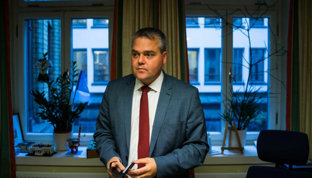 Roy Steffensen (FrP), leder i Utdanningskomiteen 2017-2021. Bildene er tatt på kontoret hans på Stortinget.