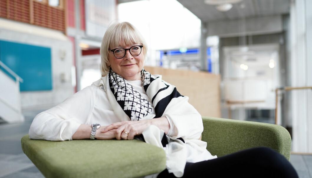 Rektor Berit Rokne ved Høgskulen på Vestlandet (HVL) vil gi de ansatte anerkjennelse for koronainnsatsen ved å bevilge 7 mill til et ekstra lønnstillegg..
