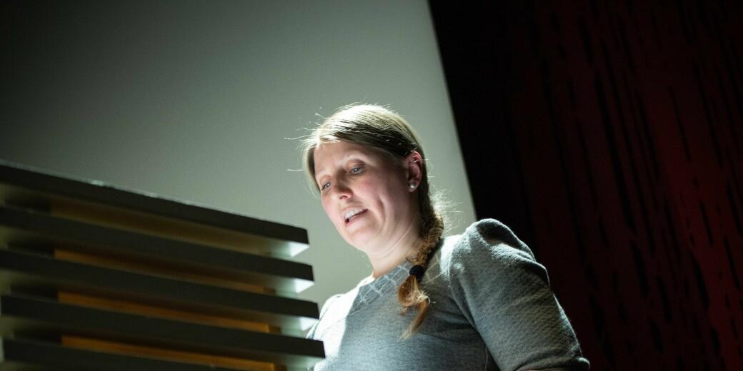 Leder i Forskerforbundet, Guro Elisabeth Lind, oppfordrer UiT – Norges arktiske universtiet til ikke å tvinge gjennom en ny ledelsesmodell.