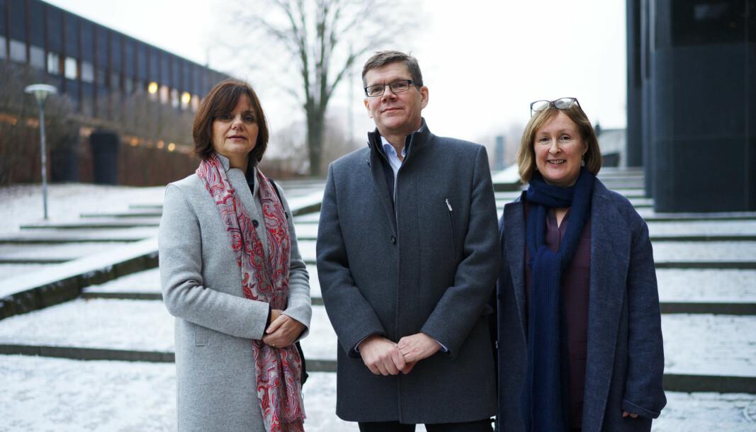 Åse Gornitzka og Svein Stølen kommer med to forslag etter kritikken mot Forskningsrådet .Her sammen med prorektor Gro Bjørnerud Mo, UiO til høyre.
