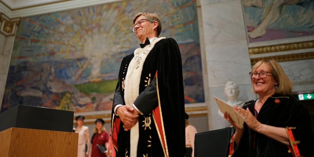 Rektor Svein Stølen og prorektor Gro Bjørnerud Mo under inaugurasjonen (innvielsen) som rektorer i 2017.