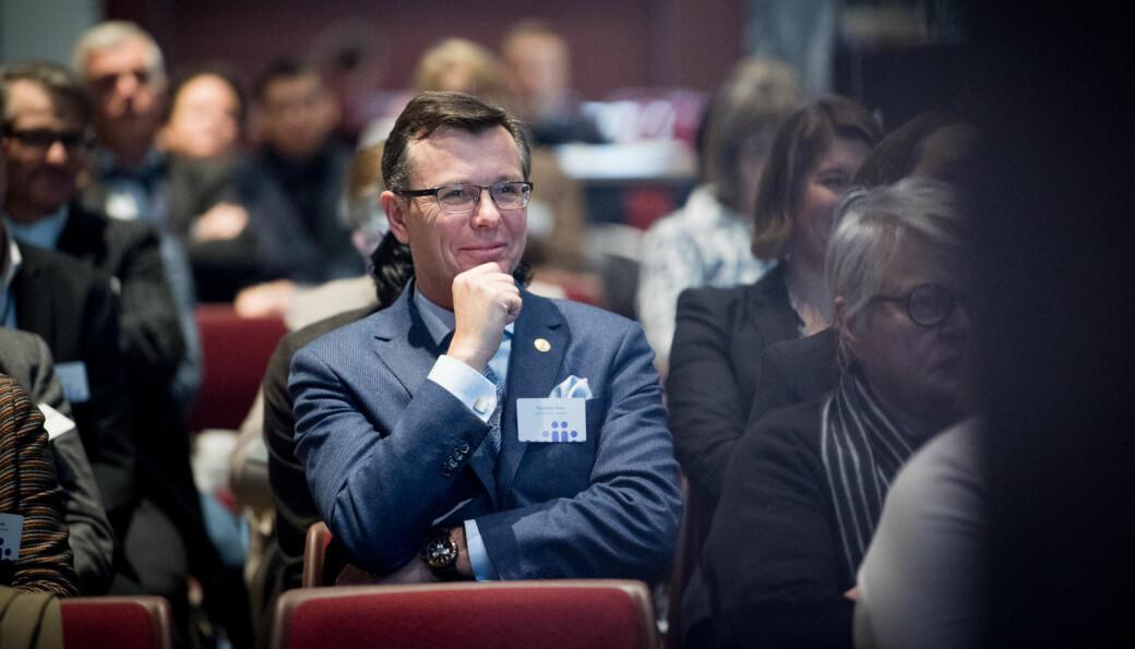 – Jeg ønsker ikke å stille organisasjonen eller meg selv i situasjoner der det kan oppstå interessekonflikter, sier avtroppende rektor ved Universitetet i Bergen, Dag Rune Olsen, som har sin siste dag som UiB-rektor mandag 4.januar..