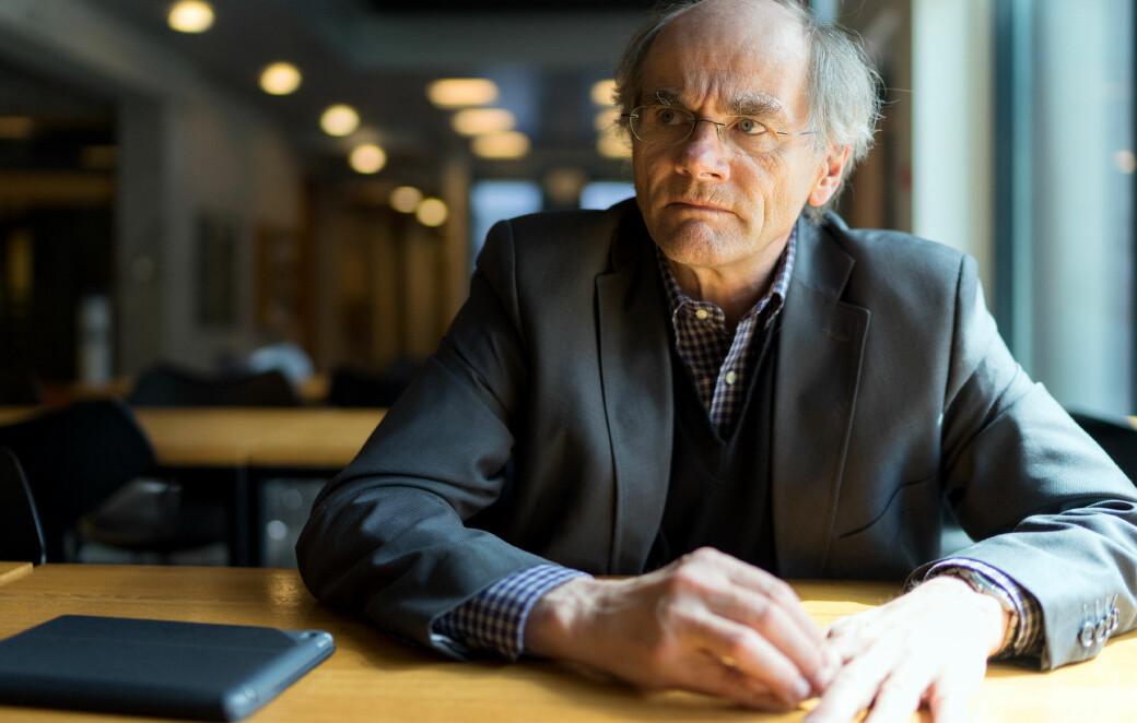 — For oss viser søkertallene nå at vi har hatt rett hele veien at det å bygge opp denne type tverrfaglige plattformer vil være populært blant studentene, sier Olav Gjelsvik, som er i front med en ny bachelor i filosofi, politikk og økonomi ved UiO.