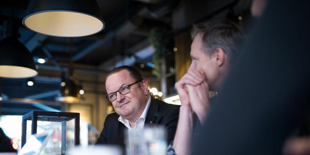 Medieprofessor og rektor ved Høgskolen Kristiania, Arne Krumsvik, mener det var en feil å dele et Resett-intervju på høyskolens twitterkonto, men sier samtidig at det er høyt under taket ved høyskolen..