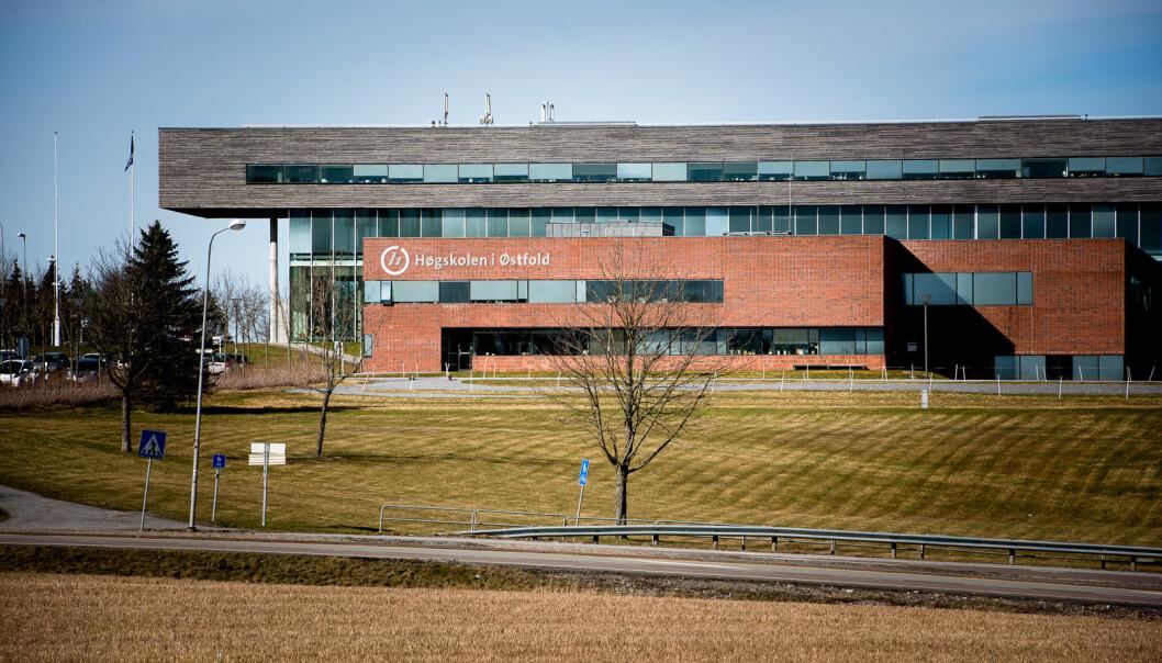 Fleire utbrot har gjort at studentar ved Høgskolen i Østfold er blant dei som har hatt ein god del digital undervisning og periodar med stengt campus.
