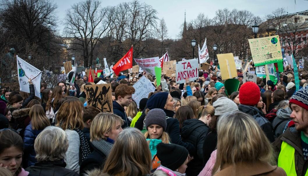 Klimaforskning er den folk har lavest tillit til, viser en undersøkelse fra Kantar. Bildet er fra en skolestreik for klimaet i 2019. Foto: Siri Øverland Eriksen
