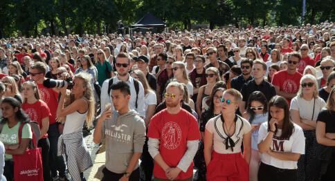 Nyutdannede kan ha tapt åtte mrd. på koronakrisen