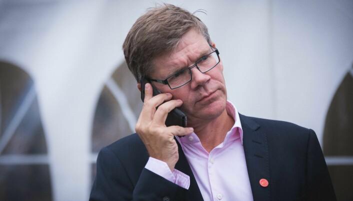 Rektor Svein Stølen sier at universitetet har sendt brev til politiet og tatt kontakt med Kunnskapsdepartementet for å gjøre noe med saken.