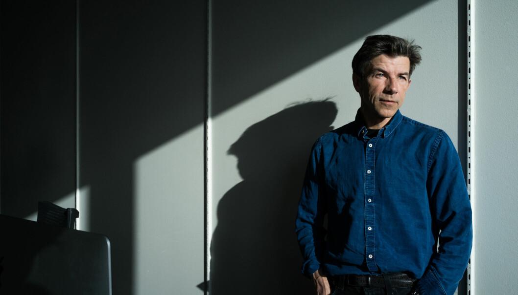 Professor og forfatter Dag Olav Hessen vant både sakprosaprisen og fikk årets hederspris under torsdagens utdelign av Brageprisen. .
