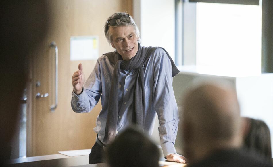 Mats Alvesson vil gjerne setje ord på dumskapen han meiner fortrenger fornuft, fridom og kreativitet i samfunnsinstitusjonar og på arbeidsplassar, ikkje minst i den akademiske sektoren. Foto: Roger Larsson/Hallandsposten