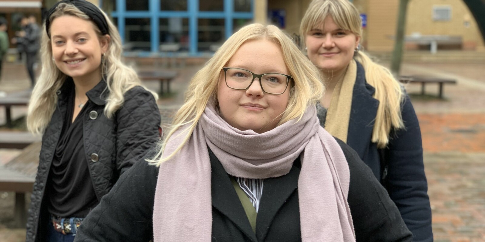Ellinor Høgberg, Renate Davidsen Klungland og Sara Giovannini kom som studenter til Storbritannia etter brexit-avstemningen.