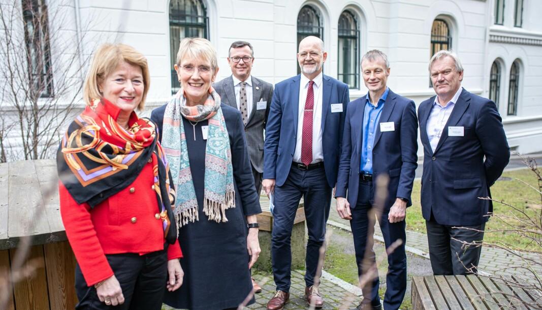 Arne Husebekk, Anne Borg, Dag Rune Olsen og Sjur Baardsen er fire av 12 rektorer som var inne på teppet hos daværende statsråd Iselin Nybø. Nå har de klart å få ned midlertidigheten i undervisnings- og forskningsstillinger.