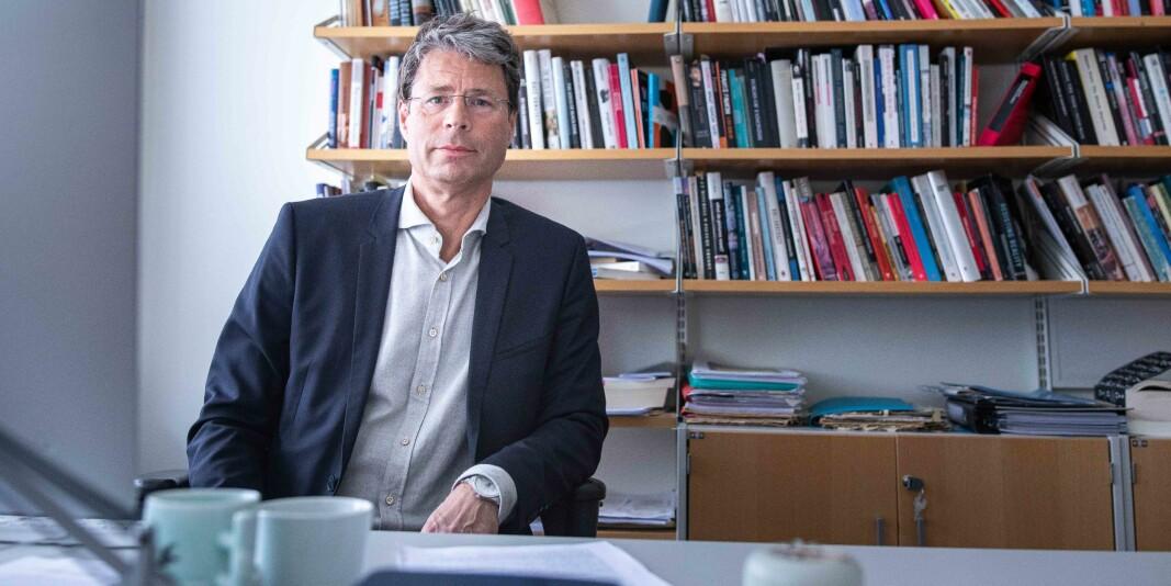 Dekan og professor Frode Helland har brukt eksempler fra tekster av blant andre professor emeritus Truls Wyller i sin bok om rasistisk retorikk. Det likte Wyller dårlig, og debatten har gått en stund.
