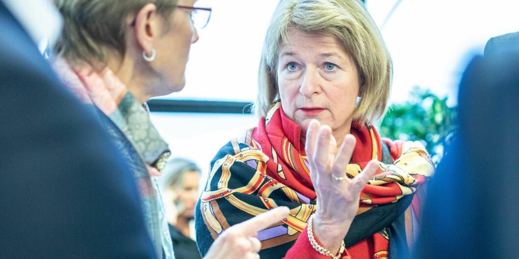 Rektor Anne Husebekk ved UiT Norges arktiske universitet synes ikke Nokuts spørreundersøkelse er tilsynsorganet verdig. Her er hun sammen med NTNU-rektor Anne Borg (t.v.), som kommer svært godt ut av undersøkelsen. Foto: Siri Øverland Eriksen