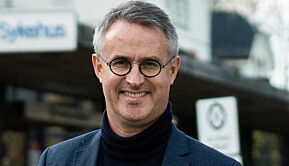 VID-rektor Bård Mæland skryter av studentene.