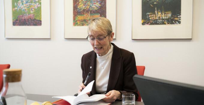 Universitet og høgskular bryr seg «forbausande» lite om norsk fagspråk