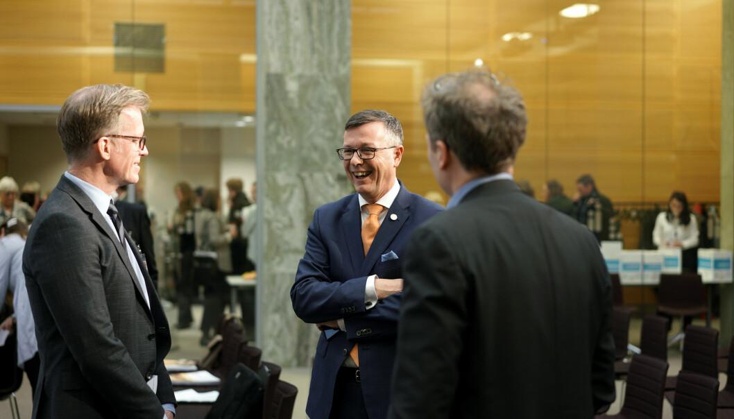 Rektor ved OsloMet, Curt Rice (til venstre) og Dag Rune Olsen er begge kritiske til at staten har avtale med eit reisebyrå med koplingar til israelske busetjingar på okkupert palestinsk territorium.