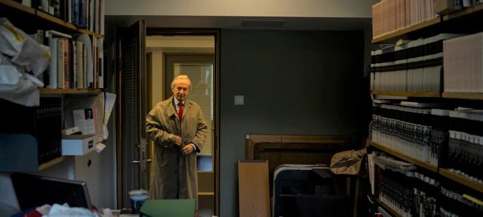 Professor Collett mener toppledelsen må ta ansvar for utsatt UiO-institutt