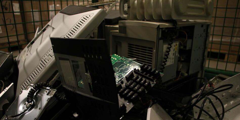 Universitetene kaster mye brukt IT-utstyr i løpet av et år. Foto: Anne Skifjeld