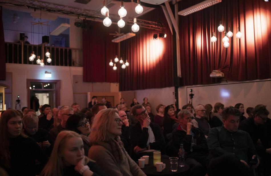 Publikumsrekord på Røstad scene under Lytring - Nords temamøte der lytting og ytring skal flettast saman. Tema: «Universitetsmetropol eller mini-campus?» Foto: Marthe A. Vannebo