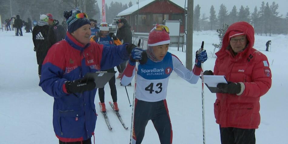Kinesiske skiløpere trener i Trysil. Foto: Bjørn Opsahl, NRK<eva.ulstein@uib.no></eva.ulstein@uib.no>
