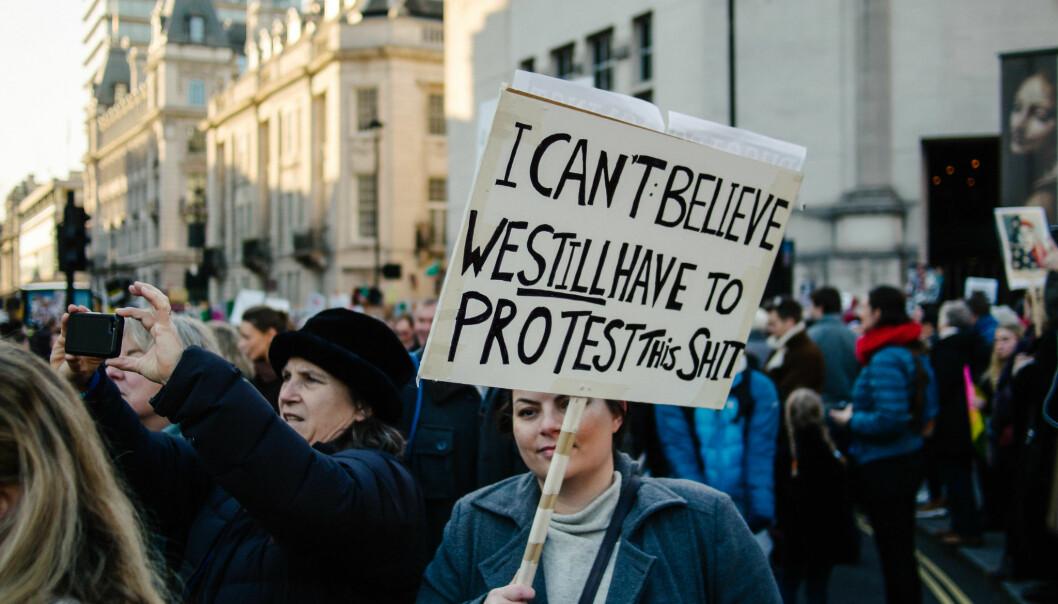Britiske universiteter har brukt store beløp på taushetserklæringer etter blant annet anklager om seksuell trakassering. Bildet er fra Women's March i London i 2017. Foto: Ravi Kotecha/Flickr