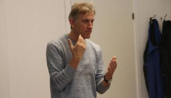 Arne Møller, har landskamper for Norge og vært proff i både Brann og i utlandet. Nå er han med å hjelper akademikere blant annet til å bli bedre formidlere.