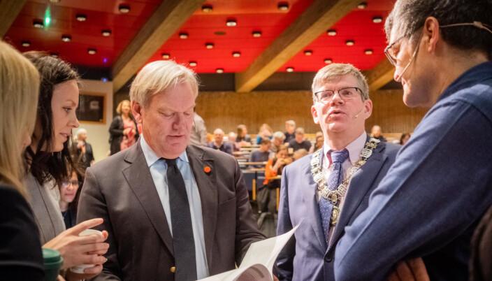 Per Morten Sandset, viserektor for forskning og innovasjon, og rektor Svein Stølen forbereder ny strategi for universitetets innovasjonsarbeid.