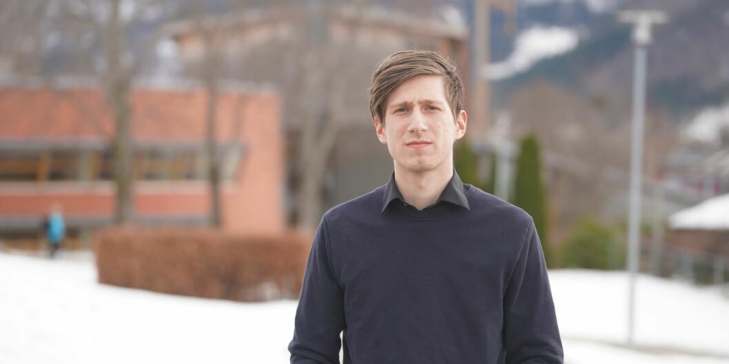 Youri van der Werve er ikkje nøgd med tilbodet han får som student i medieproduksjon ved Høgskulen i Volda. Fleire av dei som skulle hatt undervisning er sjukemelde. Foto: Privat