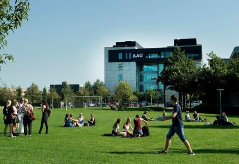 Danskene luker ut maskuline ord i jobbannonser
