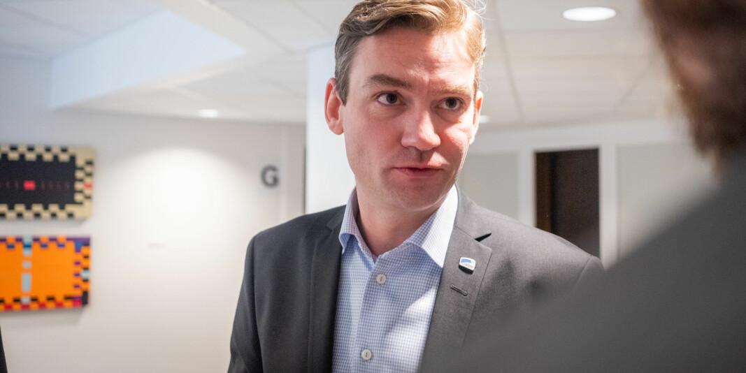 — Jeg forstår at norske studenter i utlandet og deres familier opplever usikkerhet om situasjonen sin, sier Henrik Asheim, forsknings- og høyere utdanningsminister.