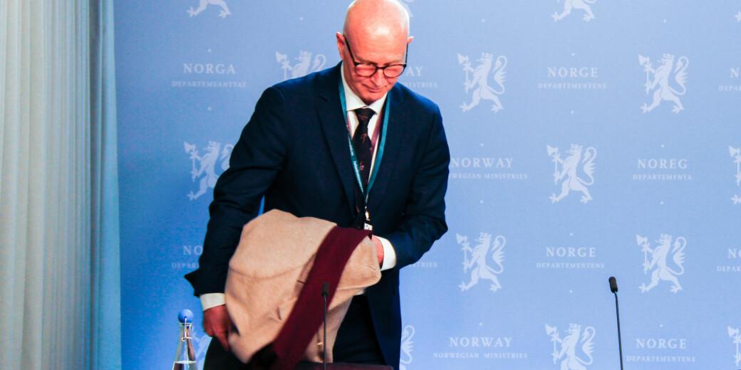 Direktør i Helsdirektoratet, Bjørn Guldvog, maner universiteter og høgskoler til godt renhold for å hindre koronasmitte..