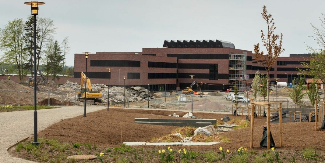 Det nye Veterinærbygget, sett fra de gamle bygningene på NMBU.