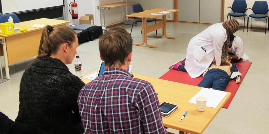 Denne eksamensformen blir nå avlyst ved Universitetet i Bergen fordi det ikke er tillatt med eksamener som krever fysisk op´pmøte.