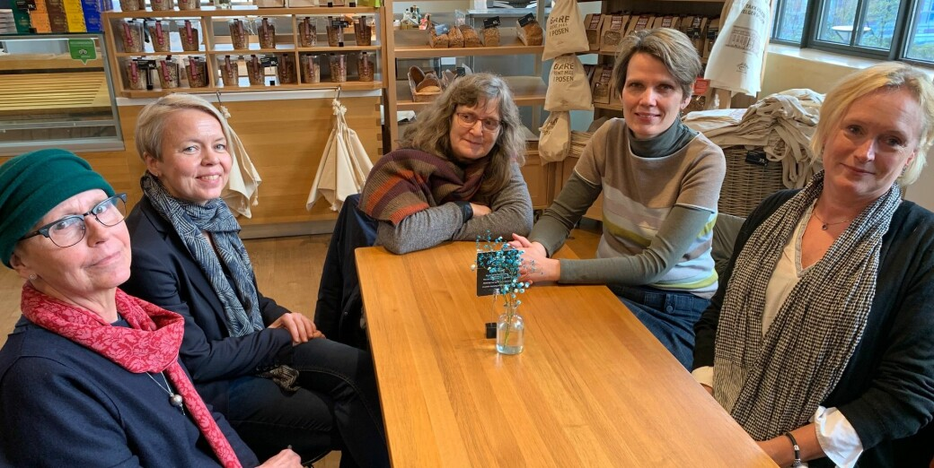 Dette er kvinnene som har fast vitskapeleg stilling i historie ved Universitetet i Bergen. Frå venstre Astri Andresen, Camilla Brautaset og Elisabeth Haavet, alle professorar. Deretter førsteamanuensis Ines Prodöhl og professor Anne Bang.