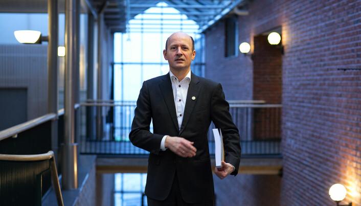 Jussprofesor Karl Harald Søvig er kritisk.