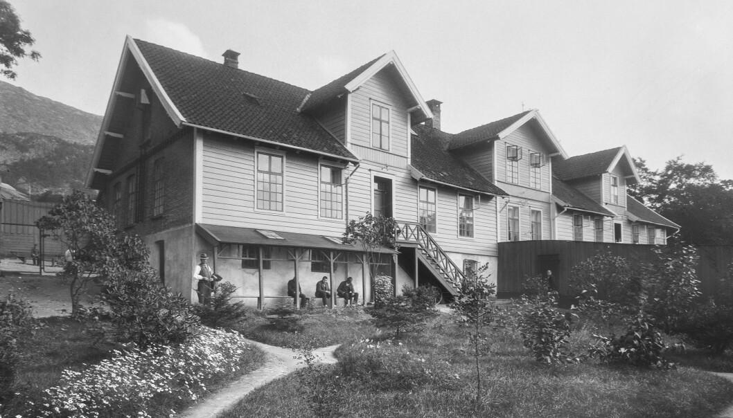 Møllendal asyl i Møllendalsveien 69, fotografert av Atelier KK i 1925.