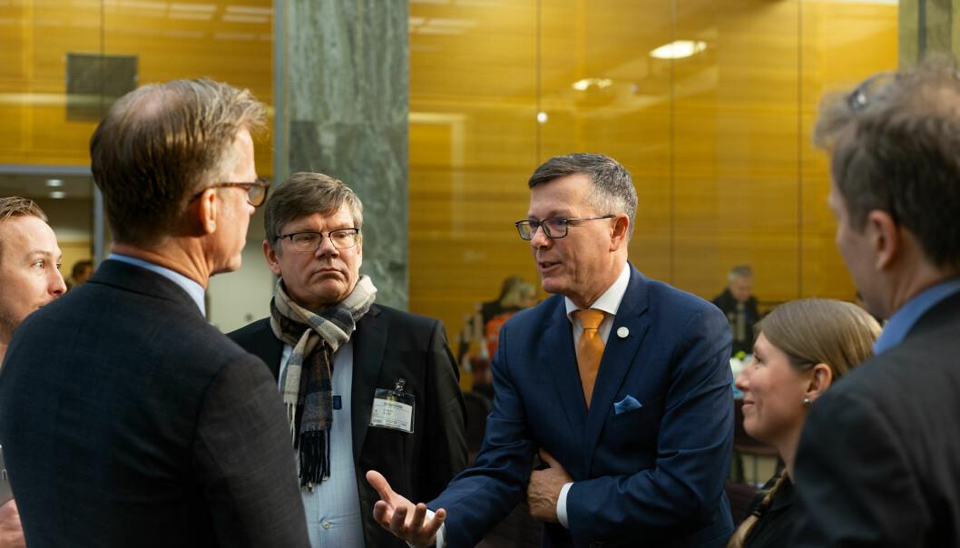 På lik linje med UiO-rektor Svein Stølen (tv) uttrykker Dag Rune Olsen sammen med sin viserektor Oddrun Samdal sterk skepsis til de nye signalene for finansiering og krav om arbeidslivsrelevans fra Stortingsflertallet.