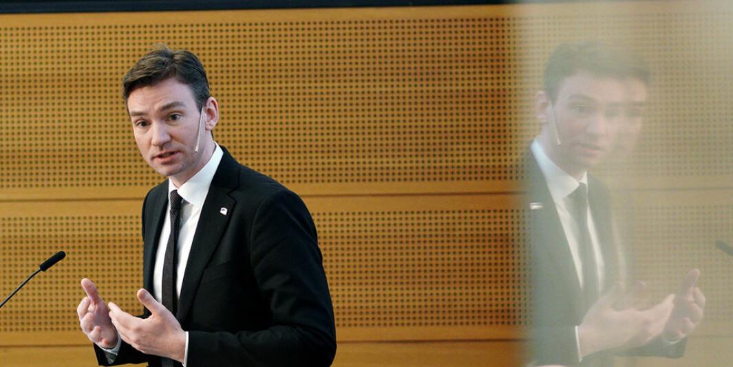 Statsråd Henrik Asheim følger med på økonomien i akademia. Årets resultater vil få konsekvenser for institusjonenes økonomi i 2022.