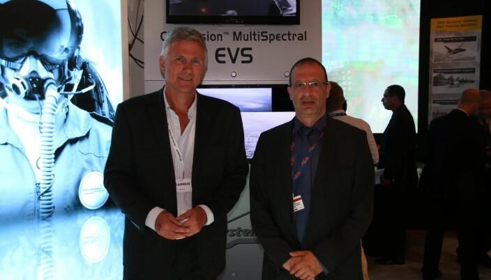 Ove Bratsberg i Nicarnica og Yoram Shmueli i Elbit Systems før en avtalesignering i 2014.