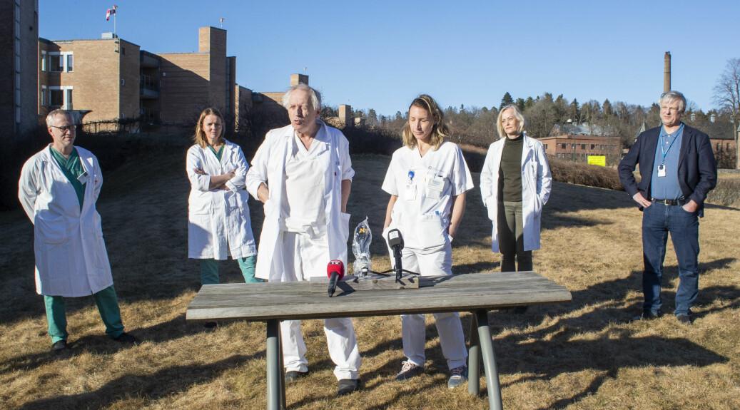 Forskarar ved Oslo universitetssykehus held pressekonferanse om utvikling av medisinar mot covid-19, sjukdomen som følgjer av koronaviruset.