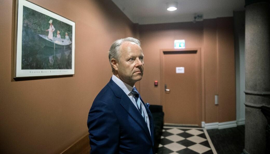 Rune Rinnan, managing partner i Televenture og styreleder i Wavetrain, signerte sluttavtalen med Richard Aarøe.