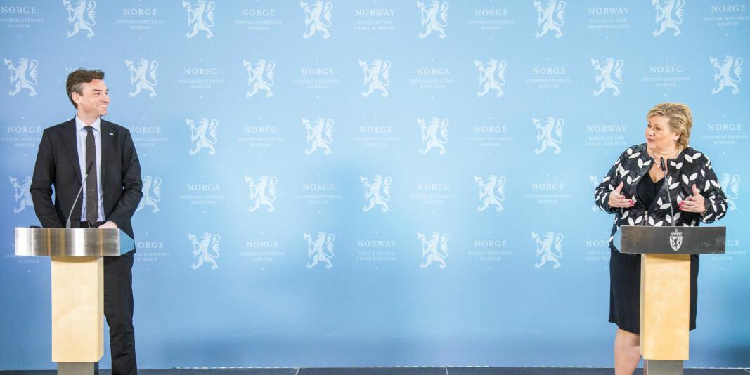 Forskings- og høyere utdanningsminister Henrik Asheim (H) og statsminister Erna Solberg (H) under pressekonferansen om kompetansereformen «Lære heile livet».